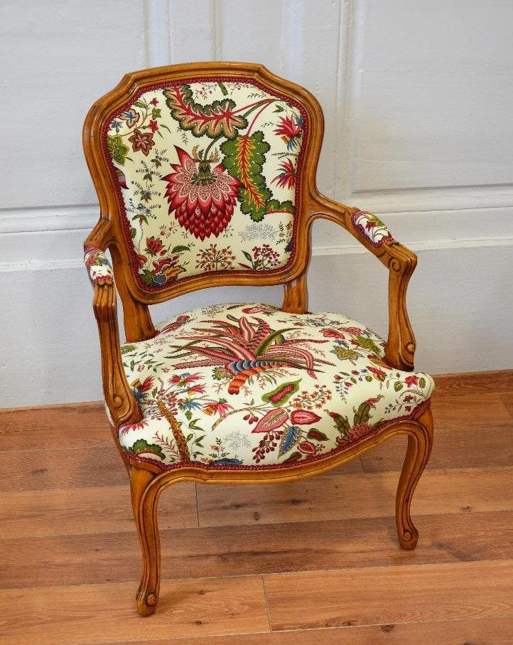 tapissier d corateur besan on philippe catherine bouvard rideaux et voilages. Black Bedroom Furniture Sets. Home Design Ideas